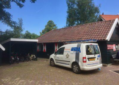 Buitenschilderwerk bij de Kinderboerderij in Heemskerk
